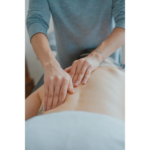 Massage Energetic Hands on Back